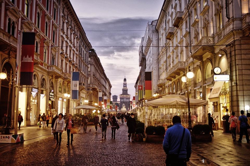 Insegne vetrine Milano