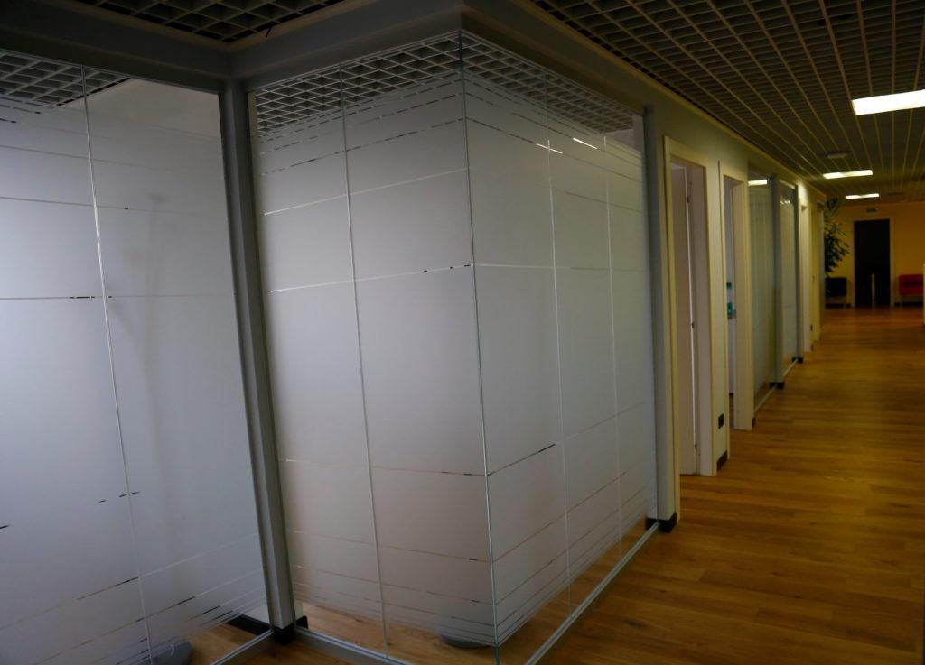 vetrofanie per ufficio Milano